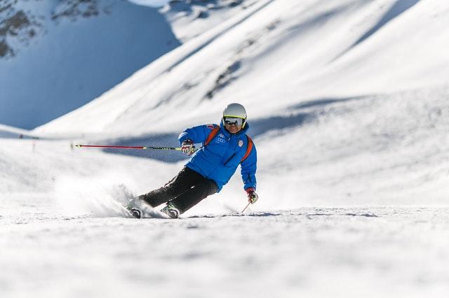 Drohne mit in den Wintersport?                           Was Sie unbedingt beachtensollten!